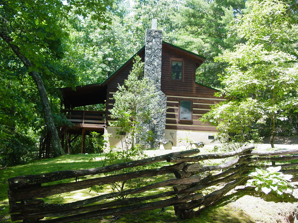 Choose & Cut Package at Fall Creek Cabins